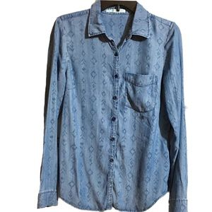 New! Maurice's Chambray Women's Top Size Small